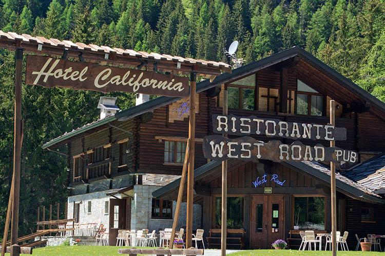 Esterno Hotel California Champoluc